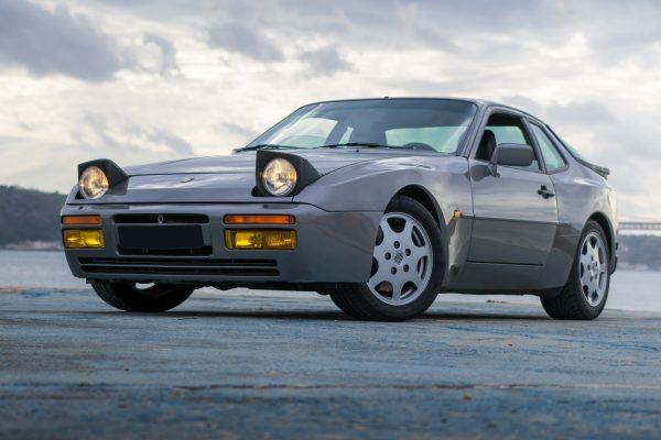 porsche-944-turbo
