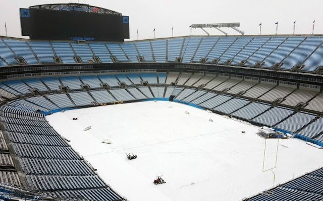 LOOK The Carolina Panthers\u0027 stadium is absolutely covered in snow
