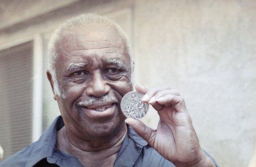 Mack Robinson-Medalla de plata