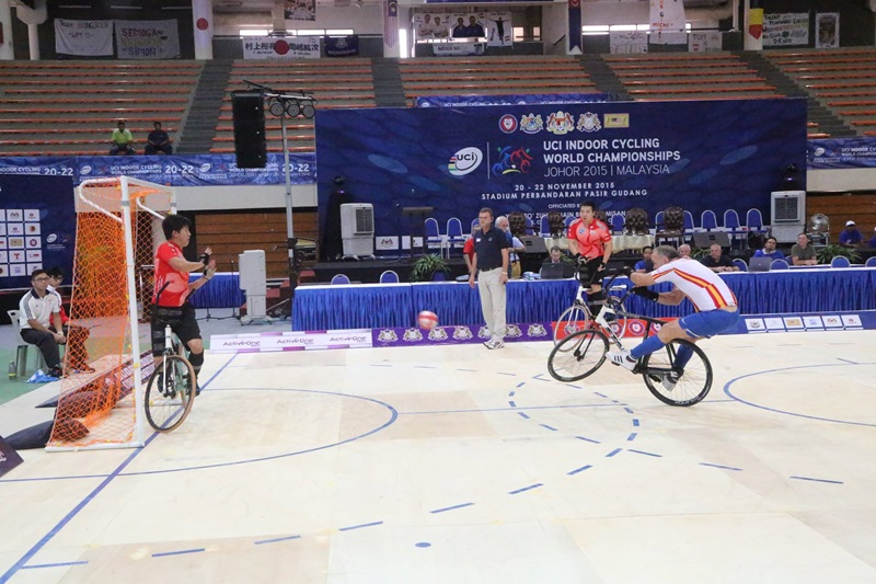 20151121-04cyclingball