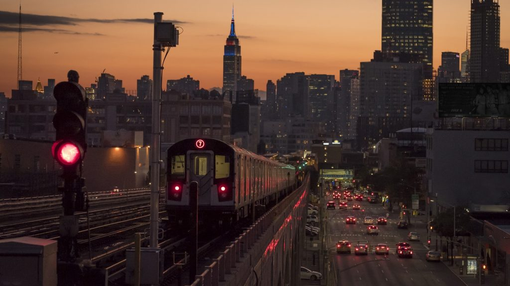 Empire State Building Wallpaper Hd Train 7 With Manhattan And The Empire State Building New
