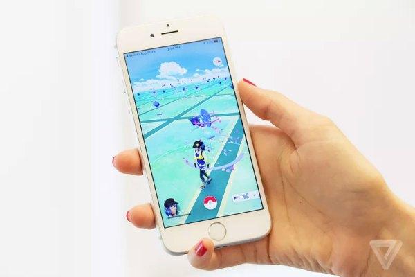 画像2: 日本でもサービス開始後、サーバーがダウンしたり、至る所でポケモンGOトレーナーを見かけるなど、一つの社会現象となっている「Pokémon Go」ですが、Ingressの開発元としてもお馴染みのNiantic社CEOであるJohn Hanke氏によると、近々新しいポケモンやポケストップのカスタマイズが可能になり、ポケモンセンターも登場させたいとのこと! The post ポケモンGO、近々新しいポケモンやポケストップのカスタマイズが可能に?!ポケモンセンターも登場? appeared first on Spotry.me. spotry.me