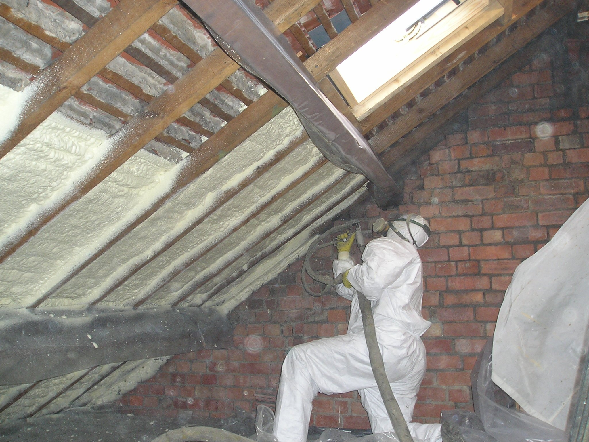 Coibentazione Sottotetto Calpestabile Retrofit Insulation Spray Tight Spray Foam Insulation
