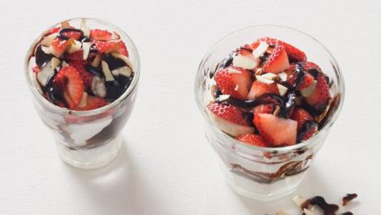 40660-strawberry-banana-_chocolate-parfait-1__crop-landscape-534x0