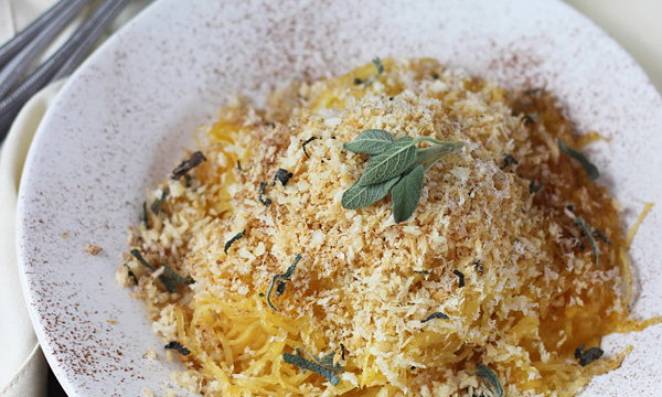 Cinnamon-and-Pumpkin-Spaghetti-Squash-Carbonara-with-Parmesan-Sage-Breadcrumbs-3