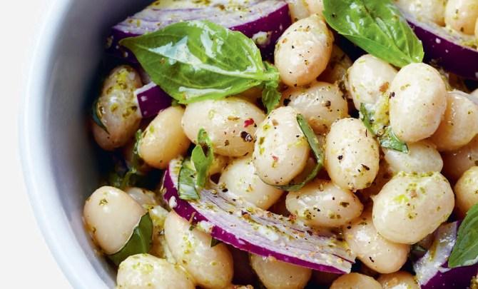 white-bean-pesto-salad