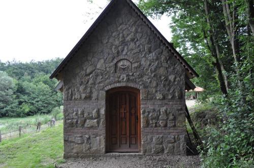 Skit Pokrova Presvete Bogorodice Crkva