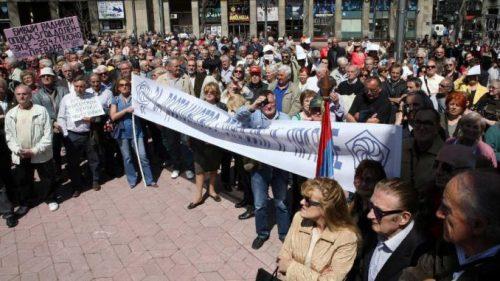 Protesti penzionera (1)