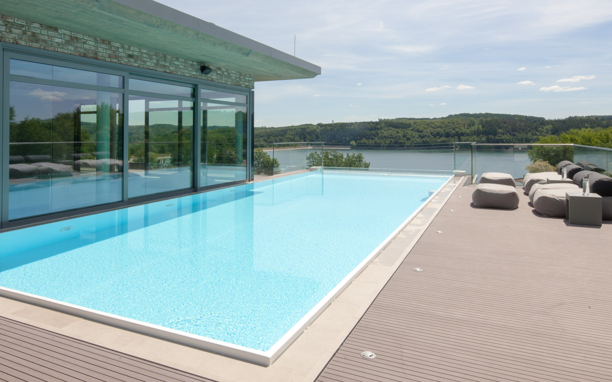 Pool In Terrasse Integriert Ssf Pools By Klafs Pool Whirlpool Und Wellness Spezialist