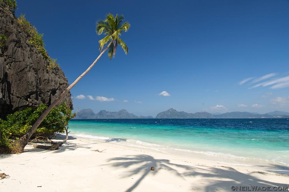 Wallpaper Hd Pirates Of The Caribbean A Perfect Tropical Beach Near El Nido Philippines Neil