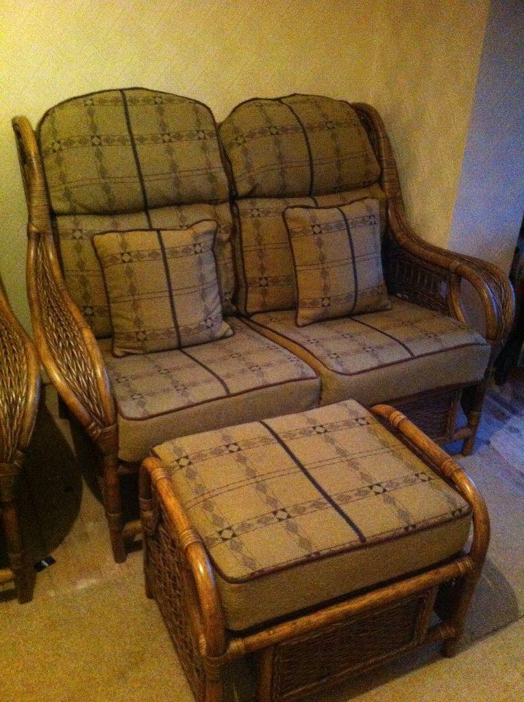 Sofas For Sale Gumtree Northern Ireland Gumtree Freebies Garden Furniture / Coupons Social Sharing