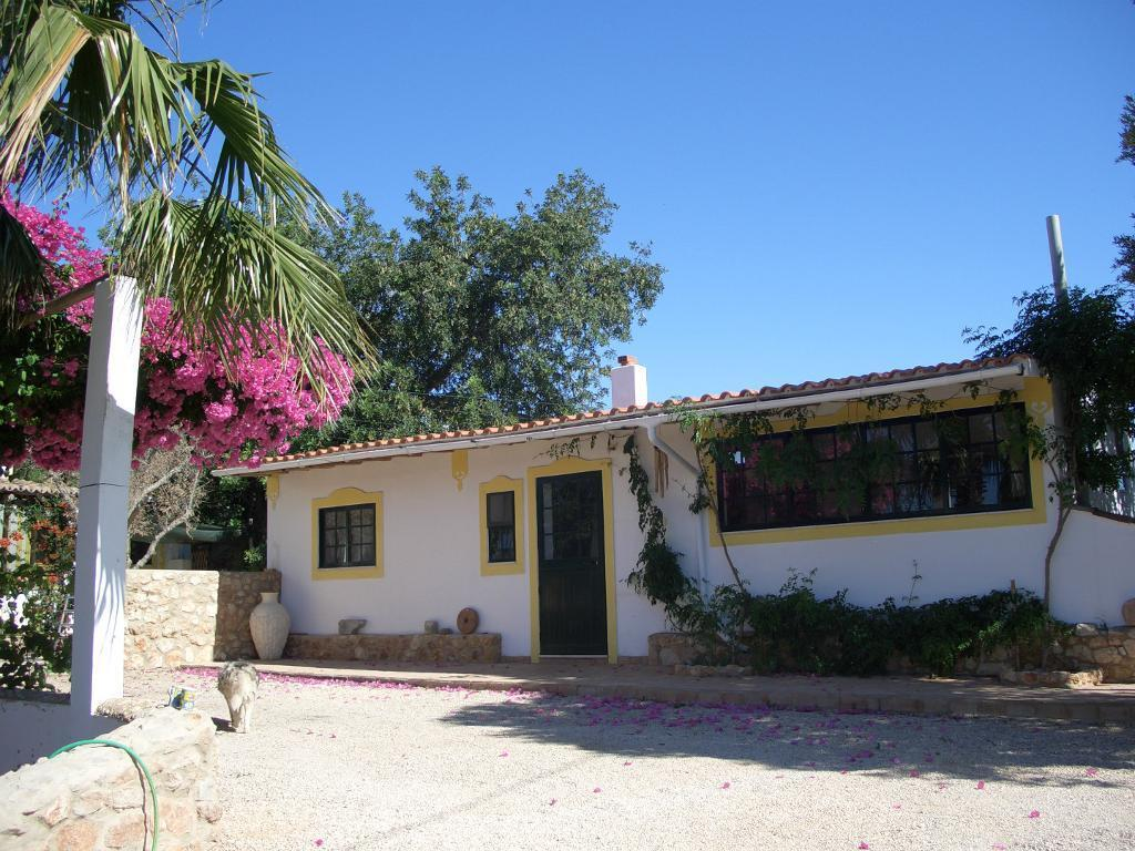 Algarve Portugal One Bedroom Cottage For Long Term Rental - Apartment Portugal