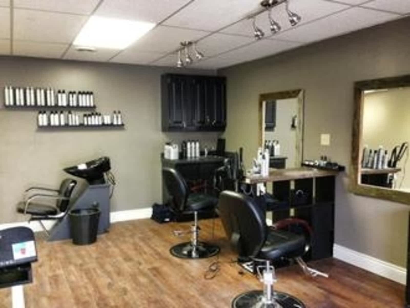 Salon Chic Tres Chic Esthetics And Salon Opening Hours 747 2nd Ave E