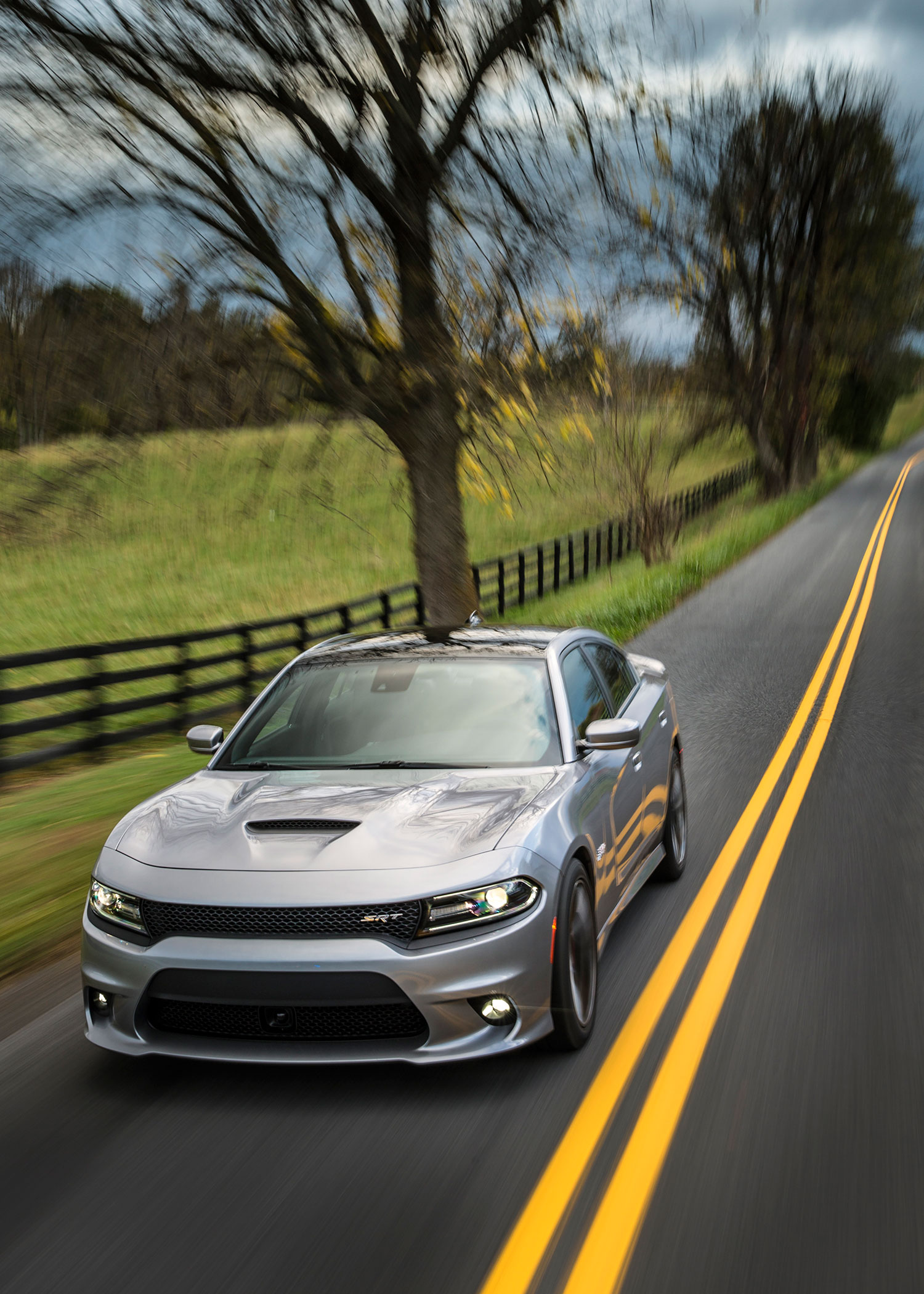 24 Auto Mobile 2015 Dodge Charger Srt Hellcat Review