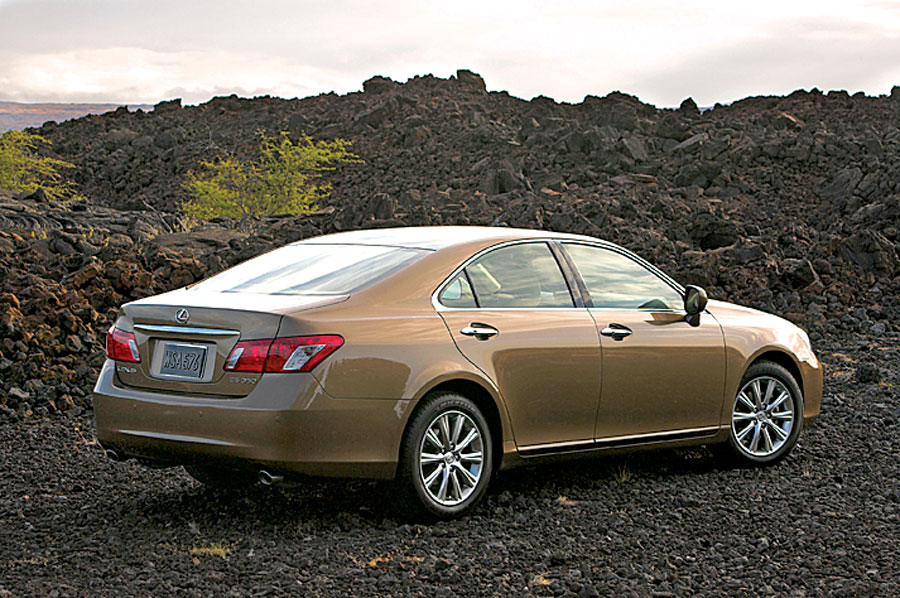 2007 Lexus ES350 - Car Review  Road Test - Automobile Magazine