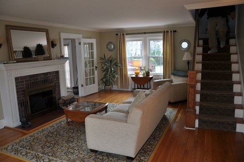How to arrange furniture in a narrow/long living room