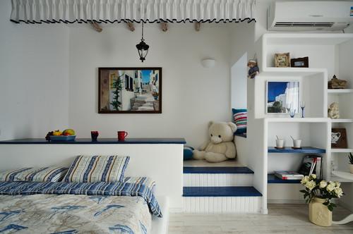 Mediterranean bedroom
