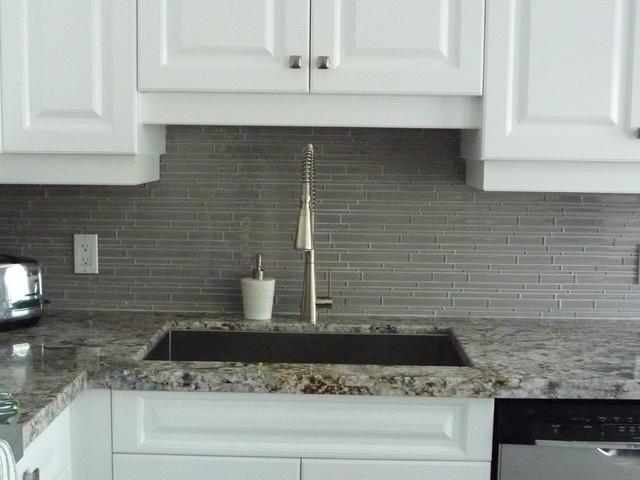 kitchen remodeling glass backsplash granite counter http www glass backsplash ideas backsplash designs kitchen glass moneytreeapp