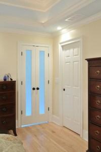 Small bathroom door options - French door? Barn door?