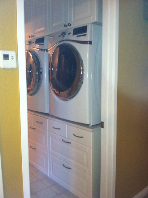 Pendant Lighting For Traditional Kitchen Washer/dryer Stand - Traditional - Laundry Room - San Diego