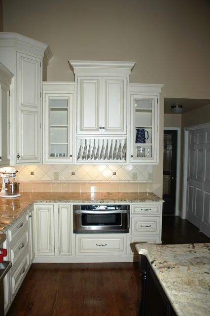 Kitchen Pendant Lighting Height Staggered Height Wall Cabinets