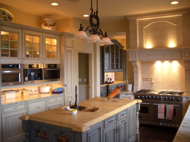 Kitchen Island Pendant Lighting Ideas Cozy Country Kitchen With Island And Granite Countertops