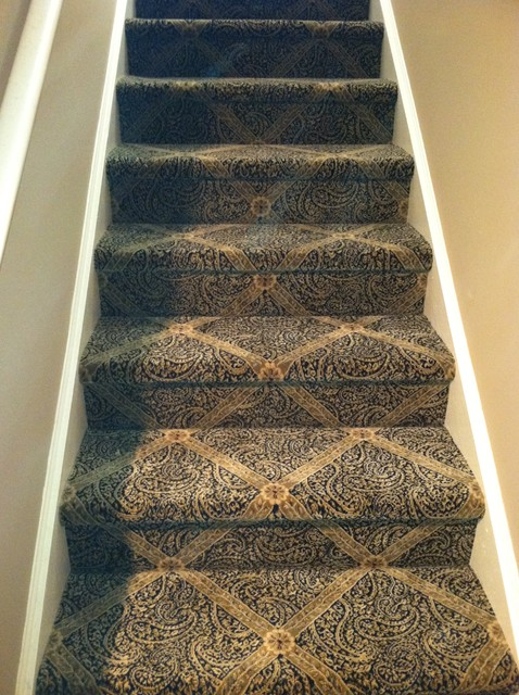 Treppenteppiche Beautiful Patterned Carpet For Your Stairs - Traditional