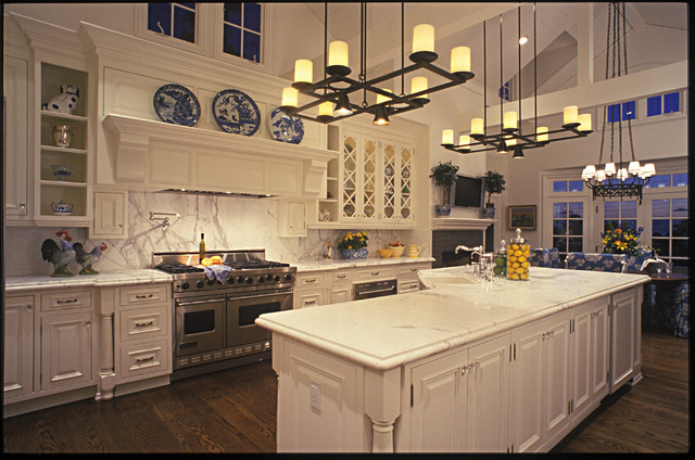 Italian Garden Landscape Ideas Large Country Kitchen - Traditional - Kitchen - San Diego