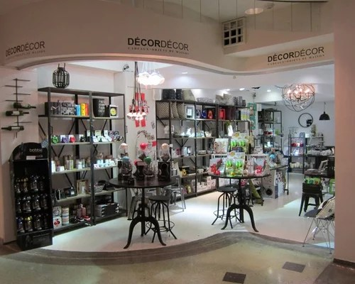 Decor Decor Retail - Les Cours Mont-Royal - royal home decor