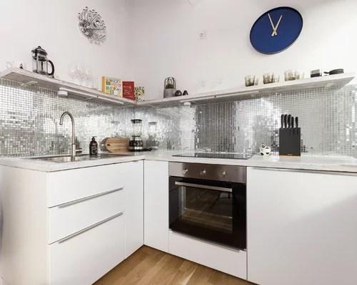 Küche mit Rückwand aus Mosaikfliesen - Ideen \ Bilder - weisse kuche mit mosaikfliesen