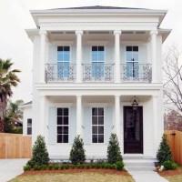 Best Two Story Farmhouse Balcony Design Ideas & Remodel