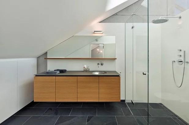 badezimmer mit dachschr amp auml ge hauscsat - badezimmer dachschr amp auml ge