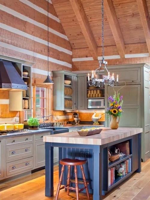 Küche mit Rückwand aus Holz und Schränken im Used-Look - Ideen - designer schranke holz keramik
