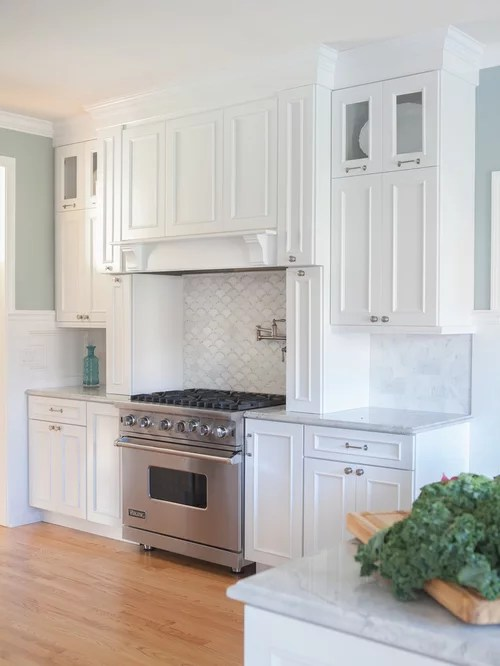 Kitchen Cabinet 24x24 Scalloped Backsplash Design Ideas & Remodel Pictures | Houzz