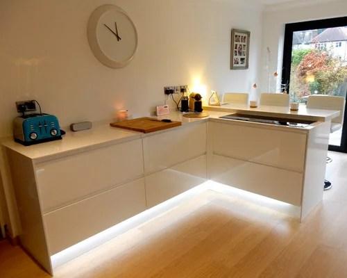 kitchen design ideas renovations photos white cabinets inspiration small transitional single wall eat kitchen