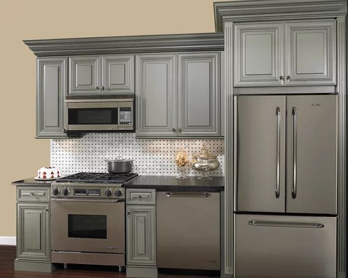 traditional galley kitchen design ideas remodels photos small traditional galley eat kitchen design photos medium