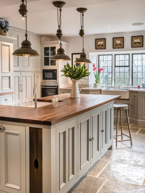 Cream Kitchen Island Unit Farmhouse Kitchen Design Ideas & Remodel Pictures | Houzz