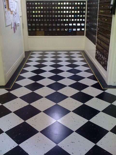 Black And White Wallpaper Bedroom Ideas Black And White Floor Transitional Entry San