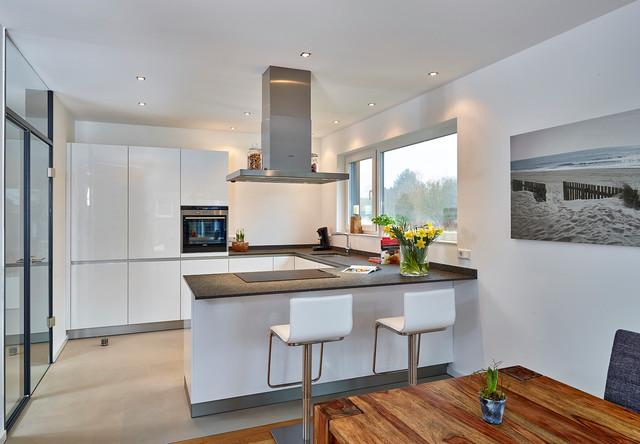 Kleine Kueche U Form Mit Fenster | Moderne U-küche 5900462-25 - Die ...