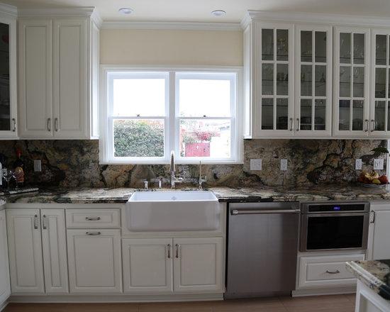 small traditional kitchen design ideas remodels photos small traditional galley eat kitchen design photos medium