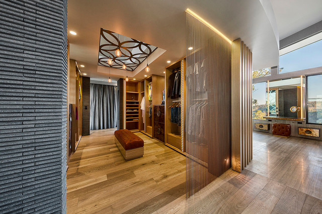 Armoire Dressing Luxe Luxe Lodge - Master Dressing Room - Contemporain - Armoire