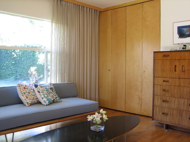Mid century modern architectural house modern bedroom