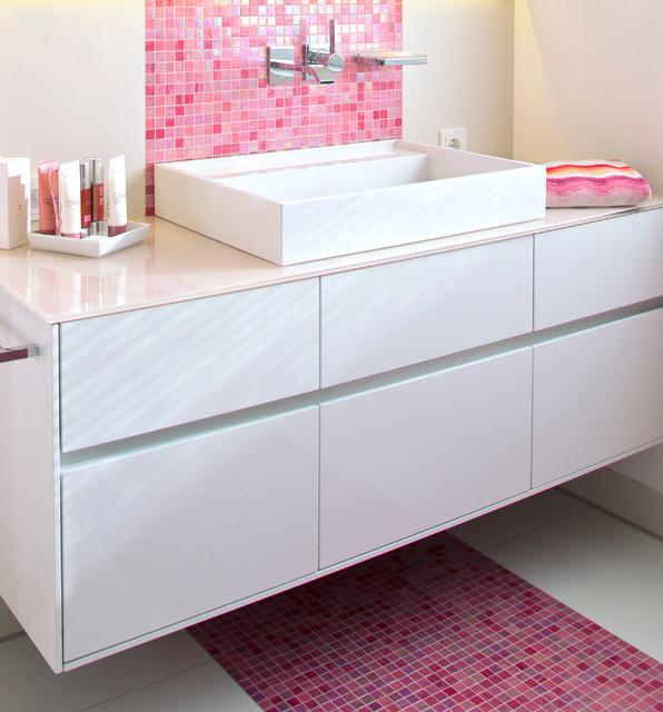 Bad in Pink mit Mosaik - badezimmer pink