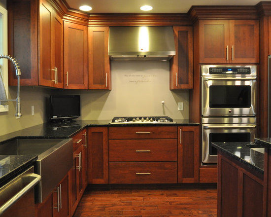 shaped eat kitchen design photos shaker cabinets inspiration small transitional shaped kitchen remodel