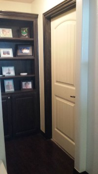 door trim different color then baseboard?
