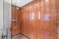 Holzwnde im Badezimmer - Minimalistisch - Badezimmer ...