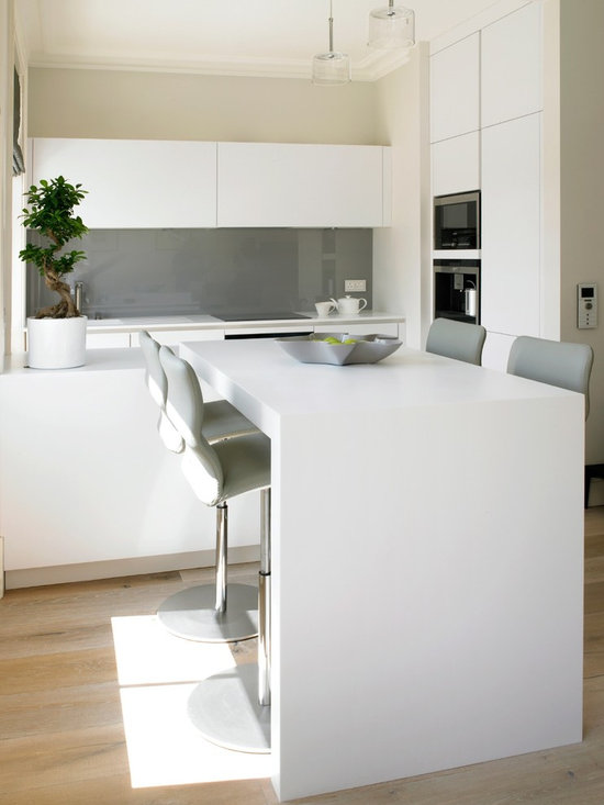 small breakfast bar kitchen design ideas remodels photos small contemporary shaped eat kitchen idea moscow flat