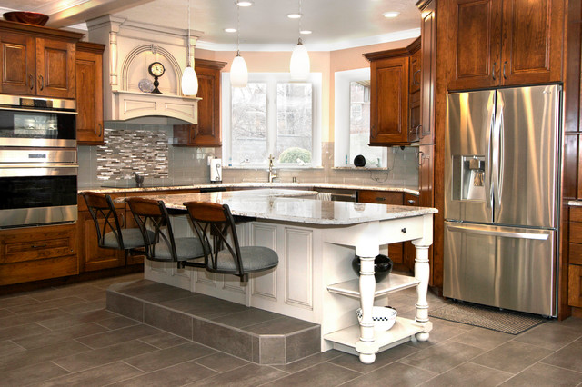 kitchen snack bar seating upholstered seats traditional kitchen pictures kitchen islands hgtv favorite design ideas kitchen