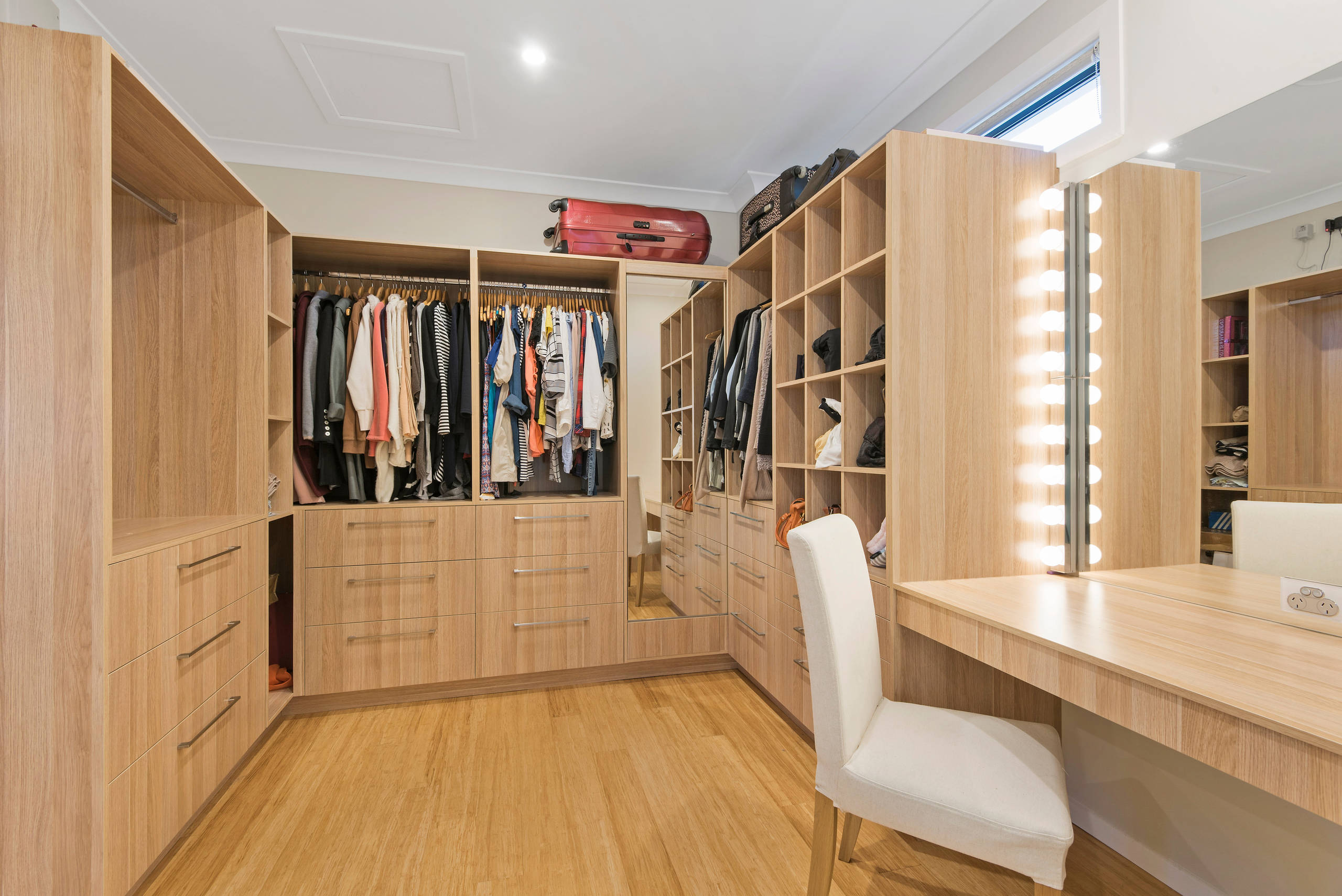 Ankleidezimmer Cabinet 75 Beautiful Bamboo Floor Walk In Closet Pictures Ideas