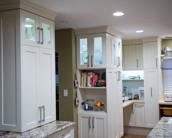transitional eat kitchen design photos island cork floors small eat kitchen design photos cork floors